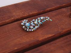 1950s 60s teardrop brooch / Vintage sparkle brooch / by Ainshent, $29.00