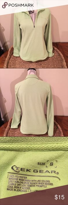 💖SALE💖 Tek Gear green workout quarter zip The third picture is the actual color green. The pictures make it look less bright. It has been worn. Just in time for fall. tek gear Jackets & Coats