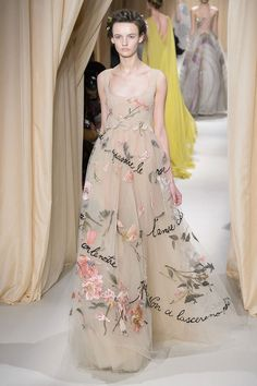 a VALENTINO haute couture romance for ss15. (ph fashionwirepress)