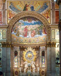 Bom dia amigos! Fiquei realmente muito surpresa com o esplendor da Basílica de Nazaré em Belém. Tão bonita quanto qualquer #igreja que eu já tenha visitado fora do país a Basílica de #Nazaré foiinspirada na Basílica de São Paulo em Roma. Quer saber mais sobre essa e as outras #atrações de #Belém? Vai no http://ift.tt/HtuAwE Te espero! Use nossas tags #fastpassviagens #lux_guest_FPV surpresas logo logo ____ Amazing #Basilica in #Belem #Brazil. Go to http://ift.tt/1TqFvIt to read my post…