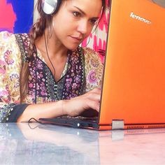 @leah.simmons shows us how she mixes her tunes on her #YOGA2Pro! LOVE seeing how you all use your YOGA devices! #Lenovo #tech #laptops #gadgets #fashion #music #pretty #ootd #style #radness #love