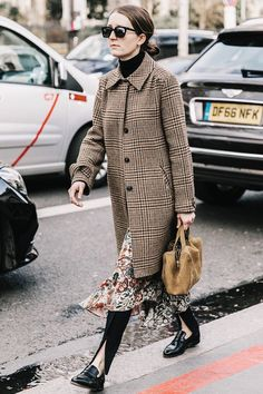 22 Pretty Thanksgiving Outfits (That Are Actually Comfy) via @WhoWhatWearUK