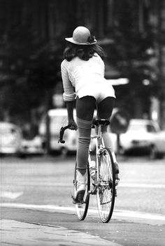 Girl on a bicycle, Photo by Werner Bokelberg. Prototype Vintage Design See other ideas and pictures from the category menu…. Faneks healthy and active life ideas Velo Vintage, Mode Vintage, Vintage Bicycles, Billy Kidd, Moda Hippie, Cycling Girls, Cycle Chic, Bicycle Girl, Bicycle Race