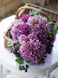 フローリスト 咲 フランス絵画のような優しい色づかいが美しいナチュラルな花あしらい