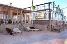 Club Zand is een strandpaviljoen op het strand van Castricum aan Zee. De relaxte…