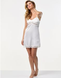 All your dos and don'ts for your bridal nightwear. Perfect for your wedding night and honeymoon!