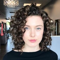 65 Different Versions of Curly Bob Hairstyle Shoulder-Length Layered Curly Hairstyle Haircuts For Curly Hair, Curly Hair Cuts, Short Hairstyles For Women, Hairstyles 2018, Shoulder Length Curly Hairstyles, Wavy Hairstyles, 1940s Hairstyles, Curly Hairstyles Naturally Medium, Short Haircuts