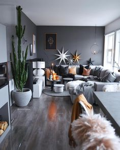 Good morning everyone👋🏼 I'm on my way to Liverpool for some Christmas sh. - Decoration Wedding and Home Living Room Grey, Living Room Interior, Home Living Room, Apartment Living, Living Room Designs, Living Room Decor, Deco Table Noel, Decoration Inspiration, Home Furniture