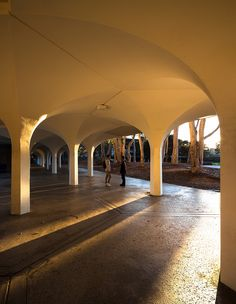 UCSD: A Built History of Modernism (York Hall, Revelle College)    I like the architecture and light