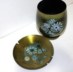 Tobacciana 2 Antique Majolica Art Pottery Ashtrays Pure And Mild Flavor
