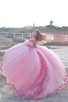 Weeding dress pink roses ✨