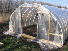 18 DIY greenhouse tutorials and plans. There's a low-cost homemade greenhouse for everyone, from small backyard greenhouses to a 300 square foot greenhouse. Diy Greenhouse Plans, Homemade Greenhouse, Cheap Greenhouse, Aquaponics Greenhouse, Backyard Greenhouse, Aquaponics System, Aquaponics Diy, Greenhouse Wedding, Serre Tunnel