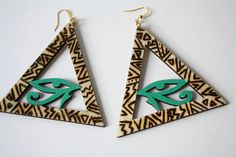 Hey, I found this really awesome Etsy listing at https://www.etsy.com/listing/128125922/pyramid-eye-of-horus-earrings