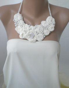 Hechas a mano del babero roseta collar-bodas