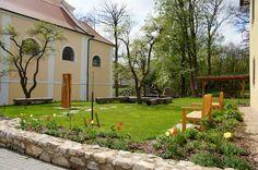 Farská zahrada Nadějkov - Zahrady - Zahradní turistika Patio, Outdoor Decor, Home Decor, Decoration Home, Room Decor, Home Interior Design, Home Decoration, Terrace, Interior Design
