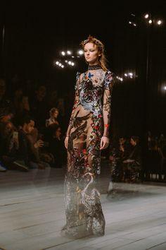 Alexander McQueen Returns to London Fashion Week - -Wmag