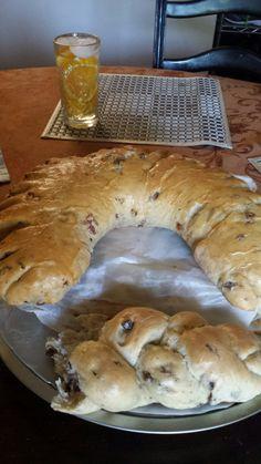 Rosca de Chicharrones Chicharrones, Bread, Food, Bagels, Cooking, Eten, Bakeries, Meals, Breads