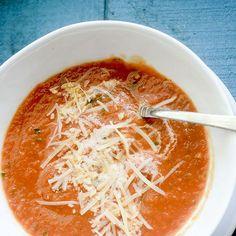Easy 5-Ingredient Tomato & Basil Blender Soup – Recipe Diaries