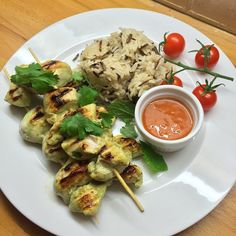 Try these Greek yogurt, lime and coriander chicken kebabs with wild rice and Nandos Peri Peri sauce #leanin15 #KebabMe
