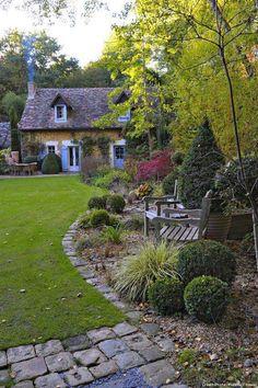 Bench landscape. Living Outdoor on Facebook