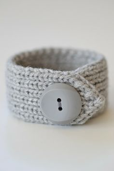 Bracelet made from a cardigan cuffling