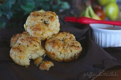 Cheddar Bay Biscuits – from scratch » Get Off Your Butt and BAKE