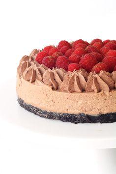 No Bake Raspberry Chocolate Cheesecake with an Oreo crust   Sweetest Menu