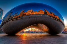 """Cloud Gate """"The Bean"""" in Chicago"""