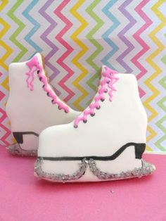 Pink Little Cake: Sparkly Winter Ice Skate, Mittens and Cap cookies