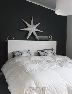 Black n white Decor, Furniture, Interior, Home, Home Bedroom, House Styles, Bedroom Inspirations, Interior Design, Bedroom