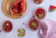 Κρέμα καρπούζι: πανάλαφρο & πανεύκολο γλυκό ψυγείου (vegan) - madameginger.com Greek Desserts, Fresh Rolls, Watermelon, Berries, Favorite Recipes, Sweets, Vegan, Fruit, Healthy