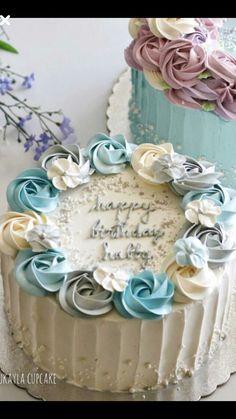 nai kar na ka abb leave Cake Decorating Designs, Cake Decorating Videos, Cake Decorating Techniques, Cake Designs, Buttercream Flower Cake, Cake Icing, Eat Cake, Cupcake Cakes, Pretty Birthday Cakes