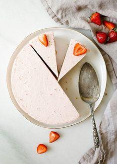 Strawberry Icebox Pie   Wood & Spoon   Bloglovin'