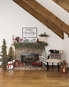 When it comes to Christmas, the moments that are most memorable always seem to be by the fireplace; Opening presents, drinking hot chocolate, warming up after a snowball fight. Make sure your Christmas decor adds magic to the moment so that the memories sparkle forever.