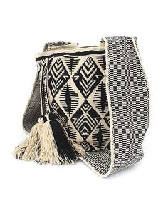 This domain may be for sale! Tapestry Bag, Tapestry Crochet, Knit Crochet, Mochila Crochet, Crochet Purses, Crochet Bags, Creative Bag, Knitted Bags, Beautiful Bags