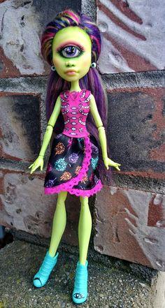 Custom OOAK Iris Clops Monster high doll by @ladyspoonart