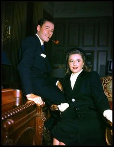 A colour photo of Errol Flynn and Barbara Stanwyck on the set of 'Cry Wolf' Old Hollywood Stars, Old Hollywood Movies, Hollywood Actor, Golden Age Of Hollywood, Vintage Hollywood, Classic Hollywood, Hollywood Pictures, Hollywood Couples, Vintage Vogue