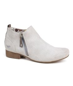 Dámské boty MUSTANG 36C-073 Ankle, Boots, Fashion, Luxury, Crotch Boots, Moda, Wall Plug, Fashion Styles, Shoe Boot