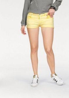 Džínové šortky Judie, LTB #avendro #avendrocz #avendro_cz #fashion #kratasy #sortky Bermuda Shorts, Capri, Women, Fashion, Moda, Fashion Styles, Fashion Illustrations, Shorts, Woman