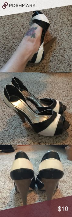 Black & white stripe pinup heels retro vintage These are adorable. I wore them for a pinup photo shoot. They are super comfy too. Heel hight is a little over 4 inches. Some slight scuffs on the inside as pictured. Anne Michelle Shoes Heels