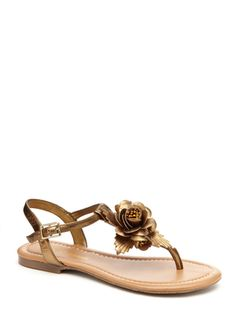 i love sandles especially the ones that are all about flowers and bling.