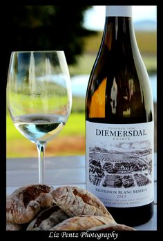 Food and Wine shoot at Diemersdal Wine Farm, Durbanville, Cape Town. Sauvignon Blanc, My Glass, Cape Town, Wine Recipes, White Wine, Wines, Alcoholic Drinks, Restaurants, Bottle