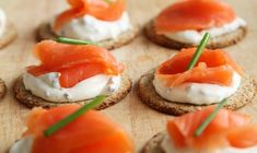 Hosting a buffet party? Out of ideas for the food? Delight everyone with this ultimate selection of the Best and Easiest Cold Finger Buffet Food Ideas. Canapes Recipes, Appetizer Recipes, Appetizer Ideas, Easy Canapes, Appetizer Plates, Smoked Salmon Canapes, Buffet Party, Snacks Saludables, Think Food