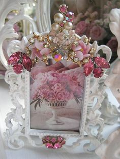 Vintage jewelled frame