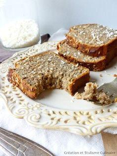 banana bread, confectionné à partir de coco et de farine de manioc. Une bonne recette pour le petit déjeuner sans gluten!