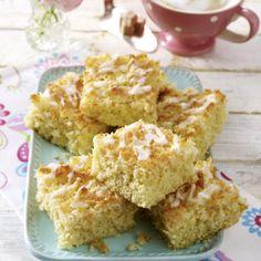 Kokos-Becherkuchen vom Blech mit Limetten-Guss Rezept