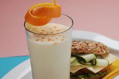 Batida de Naranja  INGREDIENTES  2 Tazas de jugo de naranja natural ½ Cucharada…