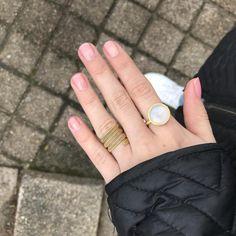 Styling by missbjerregaard showing Bubble Ring Sky Blue Xlarge Gold #jewellery #Jewelry #bangles #amulet #dogtag #medallion #choker #charms #Pendant #Earring #EarringBackPeace #EarJacket #EarSticks #Necklace #Earcuff #Bracelet #Minimal #minimalistic #ContemporaryJewellery #zirkonia #Gemstone #JewelleryStone #JewelleryDesign #CreativeJewellery #OxidizedJewellery #gold #silver #rosegold #hoops #armcuff #jewls #jewelleryInspiration #JewelleryInspo #accesories #DanishDesign #JewelryStyling…