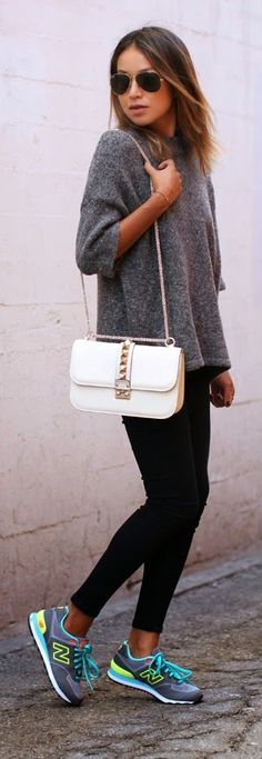 Image via We Heart It https://weheartit.com/entry/144992689 #bag #blogger #chic #fashion #informal #newbalance #rayban #sneakers #sport #style #white #sincerelyjules #sportchic #bloguera