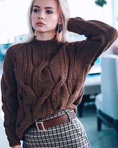 Cable knit oversized sweater chunky knitwear pullover urban look hand knit wool sweater autumn fashion casual clothing cozy sweater – Artofit Casual Sweaters, Cozy Sweaters, Sweaters For Women, Cable Sweater, Cable Knit, Moda Crochet, Diy Crochet, Winter Mode, Hand Knitted Sweaters